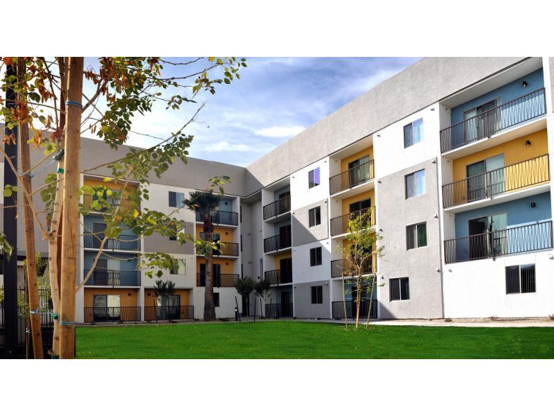 Lofts 10 Apartments